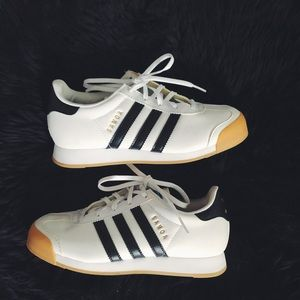 Adidas Samoa sneakers size 5. Perfect condition